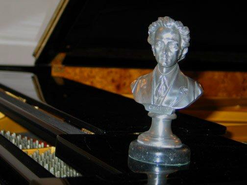 쇼팽의 피아노 협주곡 안에는 폴랜드의 자연의 소리가 들어 있습니다.